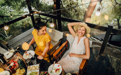 Fine Dining Made Easy: 4 Ways to Host the Perfect Outdoor Dinner Party